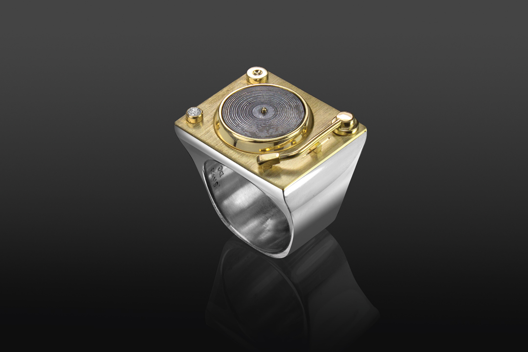 01-turntable-ring