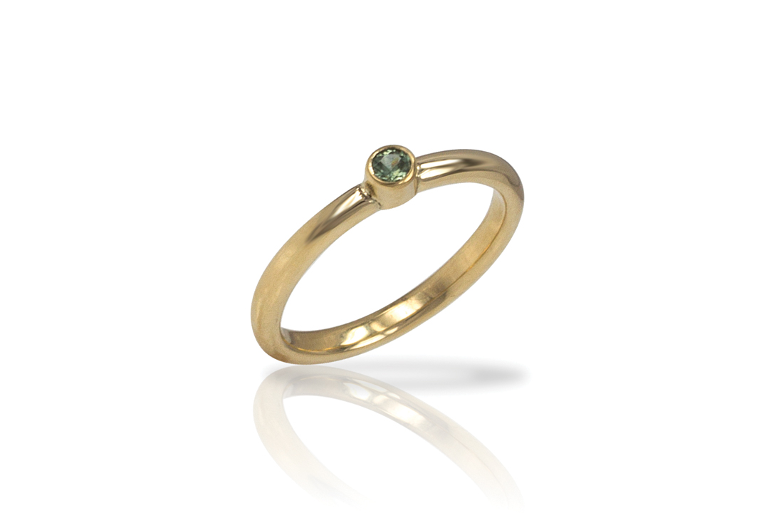 08-Green-Sapphire-Yellow-Gold-Band