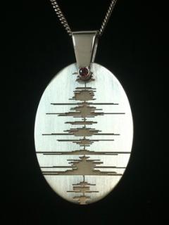 Custom Soundwave Jewellery Necklace with birthstone